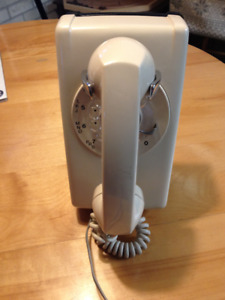 *Working* Northern Electric Vintage Rotary Wall Telephone