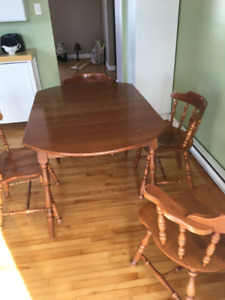 Dinning Room Table & Chair Set