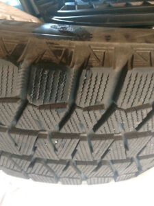 4x WINTER TIRES BRIDGESTONE 17po; GOOD , PNEUS D HIVER 225/65/17