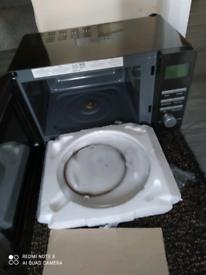 Russell Hobbs Luna digital microwave