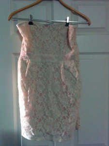 Cream lace strapless  dress - large