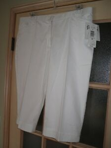 Womens sz 18 Petites new with tags white Tanjay capri pants