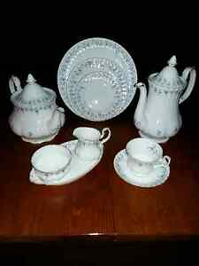 Memory Lane 8 Place Dinner Set