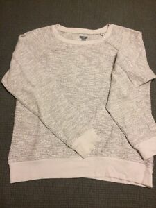 Aerie sweater - large