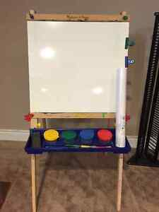 Melissa & Doug eisel with white board, paper roll & chalk board