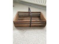 Magazine holder (wooden)