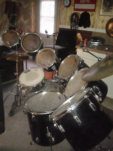 9 piece Pearl drum set