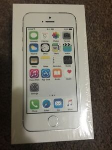 Brand New IPhone 5s 16 GB Silver