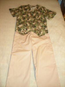 WOMEN'S Denver Hayes SCRUB SET - Fits Size Small 6-8
