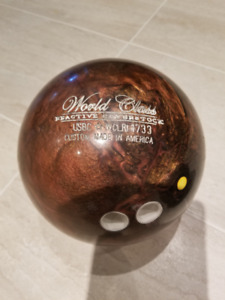 Bowling Ball - 14 lbs - Legends World Class Reactive