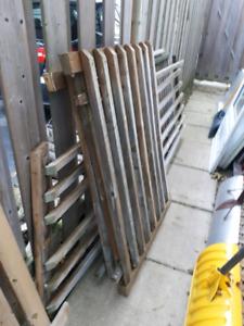Deck railing sections 5$ each