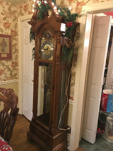 """Heirloom"" grandfather clock EUC"