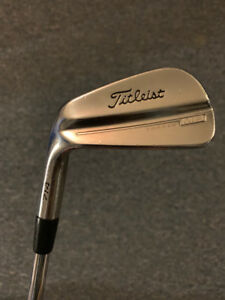 Ensemble de fer Titleist MB 714 -- Gaucher