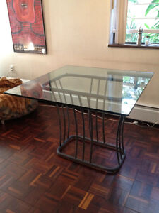 glass dining / kitchen table