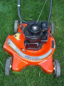 """Very Good Working Condition NOMA CANADIANA 20"""" Gas Lawn Mower"""