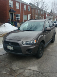 2010 Mitsubishi Outlander with Free Winter Tires