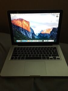 "Macbook pro 13"" i7 8gb ram 2011 model"
