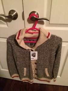 Roots Cabin Sweater youth -New with tags