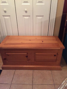 Solid Wood Coffee Table/Hope Chest/Bench