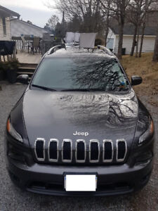 2016 JEEP Cherokee NORTH Edition - Low KMs - 6 Cyl 4x4- moonroof