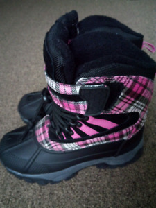 New boots size 1 for girls