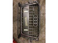 Audi Q7 front grill