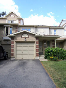 1 bdrm in a 4 bdrm townhouse near U of G available now