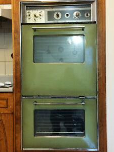 Vintage Oven from General Motors Frigidaire - Custom Imperial