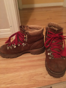Women's Vintage Hiking Boots-Size 6.5-7