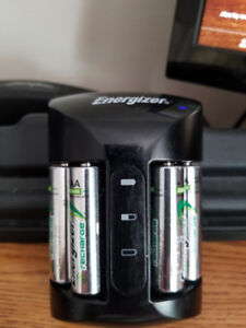 Energizer battery re-charger plus 4 AA batteries