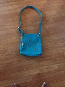 BNWT Cross Body Purse and Roxy Wallet London Ontario image 1