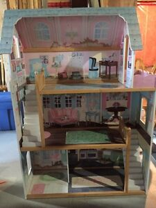 Beautiful Doll House - great condition  Peterborough Peterborough Area image 2