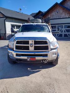 2012 dodge 5500 slt picker truck