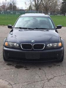 2004 BMW  320i ** VENTE RAPIDE ***