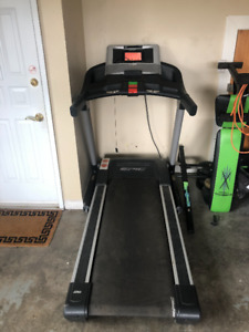 Epic View 550 Gym Treadmill - Built in TV and speakers