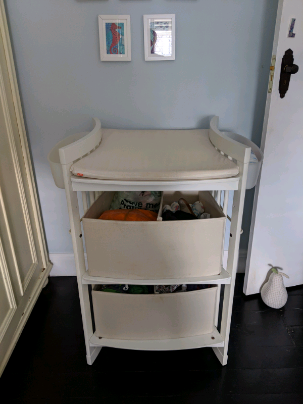 Miraculous Stokke Change Table White Excellent Condition With Storage Boxes Side Storage In Clapham London Gumtree Download Free Architecture Designs Embacsunscenecom