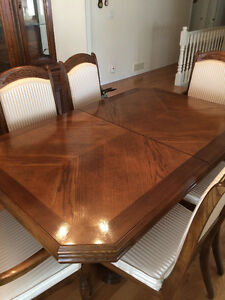 Dining Room Suite - $1400