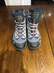 Brand New Never Worn Asolo Hiking Boots - Size 11.5