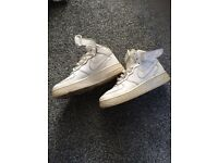 White Nike air trainers size 3