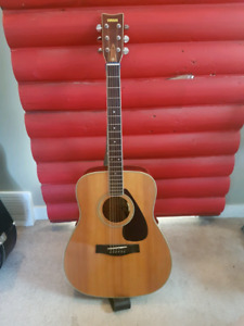 Yamaha fg-340 with LR Baggs pick-up