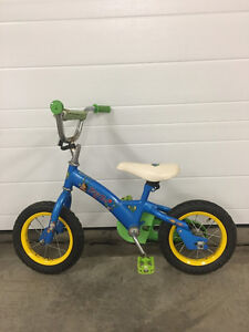 "Dora ""Let's Go"" Bike - Tire Size 12-1/2"" x 2-1/4"""