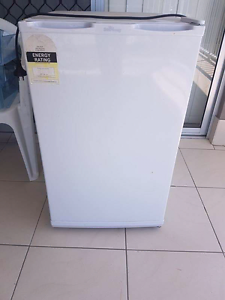 80L Upright Freezer Clontarf Redcliffe Area Preview
