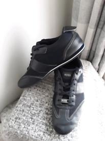 HUGO BOSS mens sz 9 dark blue trainer/ shoes
