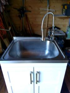 Cabinet/ sink