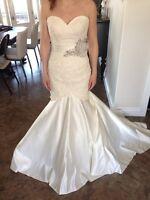Allure Wedding gown (size 6)