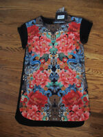 Stunning MINK PINK Floral Shift Dress Size Small. Never Used!