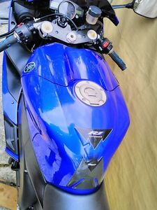 2 YAMAHA R1 2005 ALMOST COMPLETE WILL PART IT OUT 5000MI Windsor Region Ontario image 5