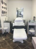 Large treatment room for rent
