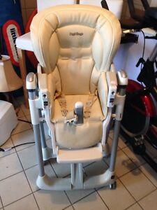 Chaise Haute en Cuir / High Chair leather Peg Perago