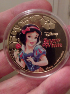 Large 40mm 1oz Disney Snow White Gold Plated Colored Coin.